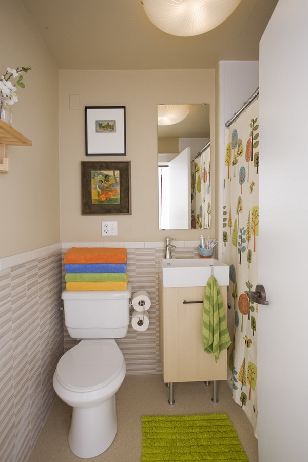 Traditional Tiny Bathroom Design