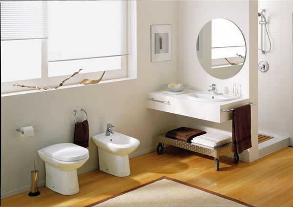 white tiny bathroom design 2524