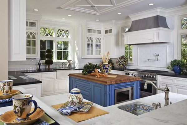 traditional kitchen layout 41