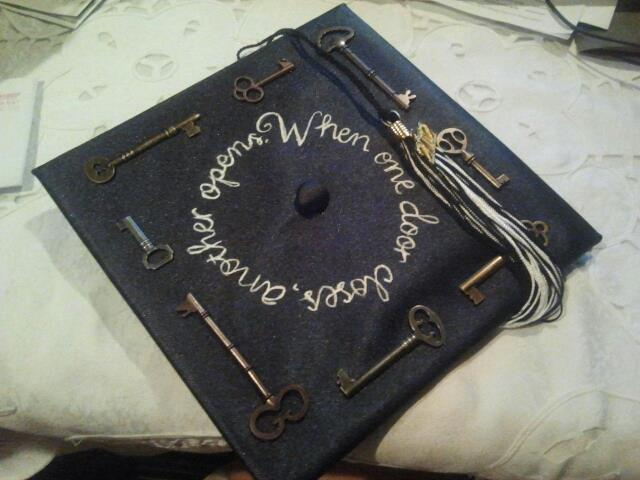 key graduation cap decoration idea 50