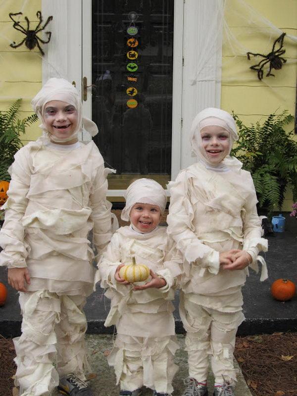 37 little mummies kid costume
