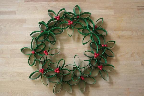 10-toilet-paper-roll-wreath