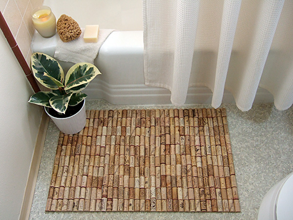 Wine Cork Bath Mat. That bath mat made out of cork is amazing. What a great idea!