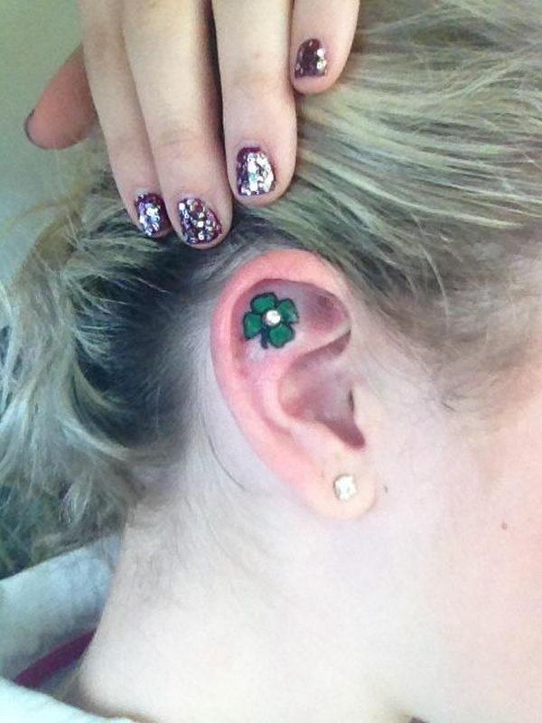 17-four-leaf-clover-ear-tattoo