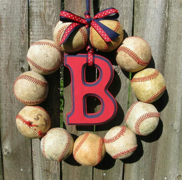 Baseballs Wreath Fundraising Idea,