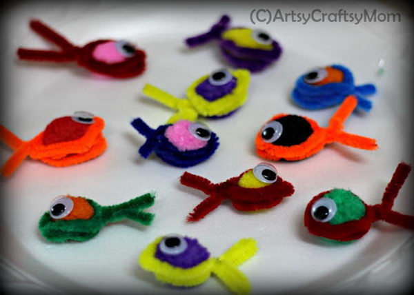 47 pipe cleaner fishes