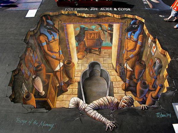 Escape of the Mummy 3D Street Art.