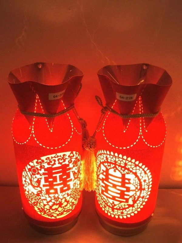 17 traditional chinese wedding ideas hative chinese wedding decoration lamp junglespirit Choice Image