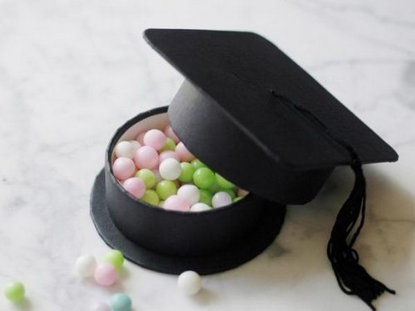 Graduation Hat Party Favor Box. You can store confetti, almonds, nuts, jewelry or whatever in this box.