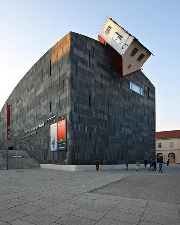 House Attack (Vienna, Austria).