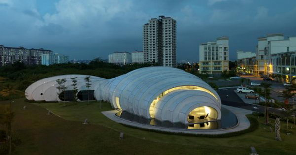 The Pod (Kuala Lumpur, Malaysia). The POD futuristic landmark design is reflective of Mother Nature's water droplets with a form that demonstrates sophistication and elegance.