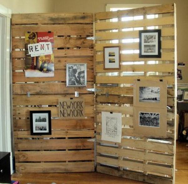 Wood Pallet Room Divider Primitive Decorating Idea,
