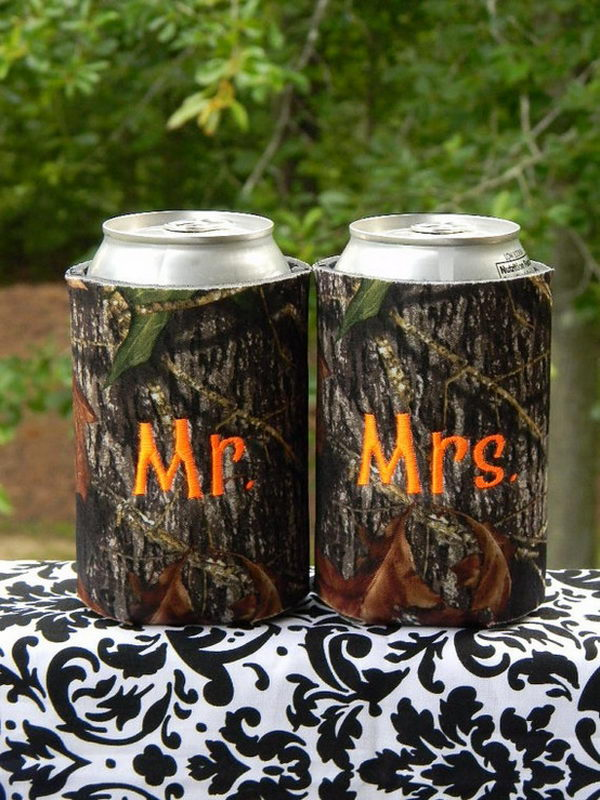 This camoflauge can koozie makes a FUN (and pretty darn cool!) gift for wedding guests.