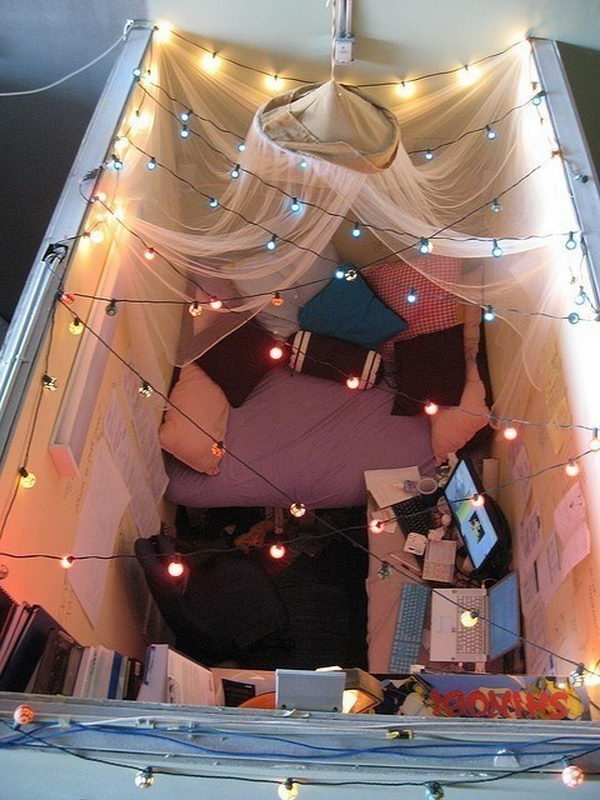 its a cool cubicle decorating idea for holiday 9 cubicle decorating ideas awesome cute cubicle decorating ideas cute