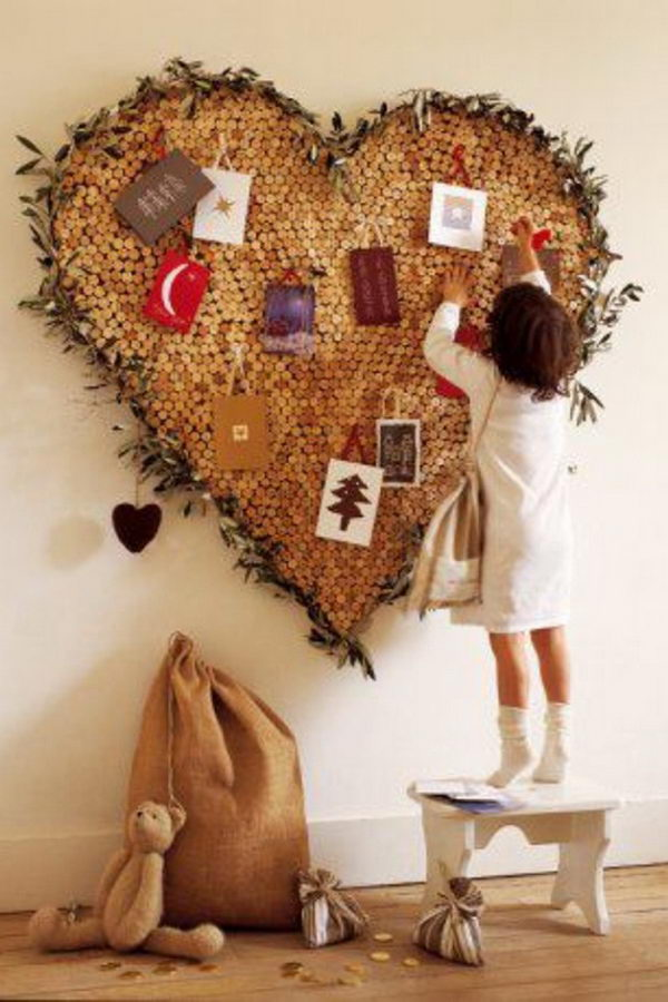 10 cool wine cork board ideas hative for Heart shaped bulletin board