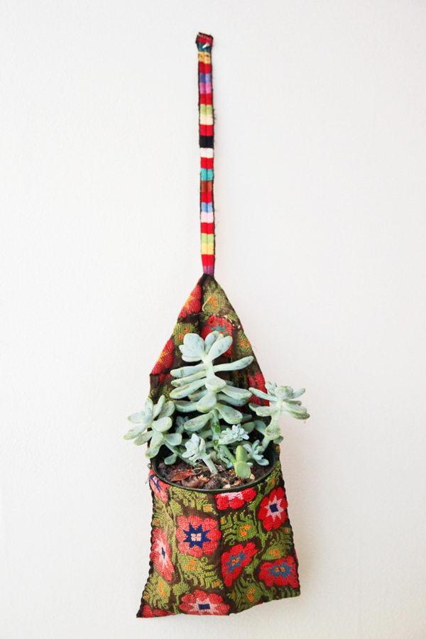 DIY Clothespin Bags Wall Planter.