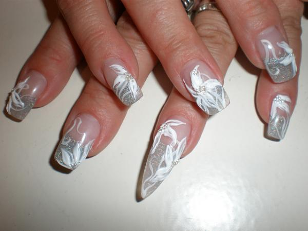 3D Gel Nail Art, 3D nail art is a technique for decorating nails that creates three dimensional designs.