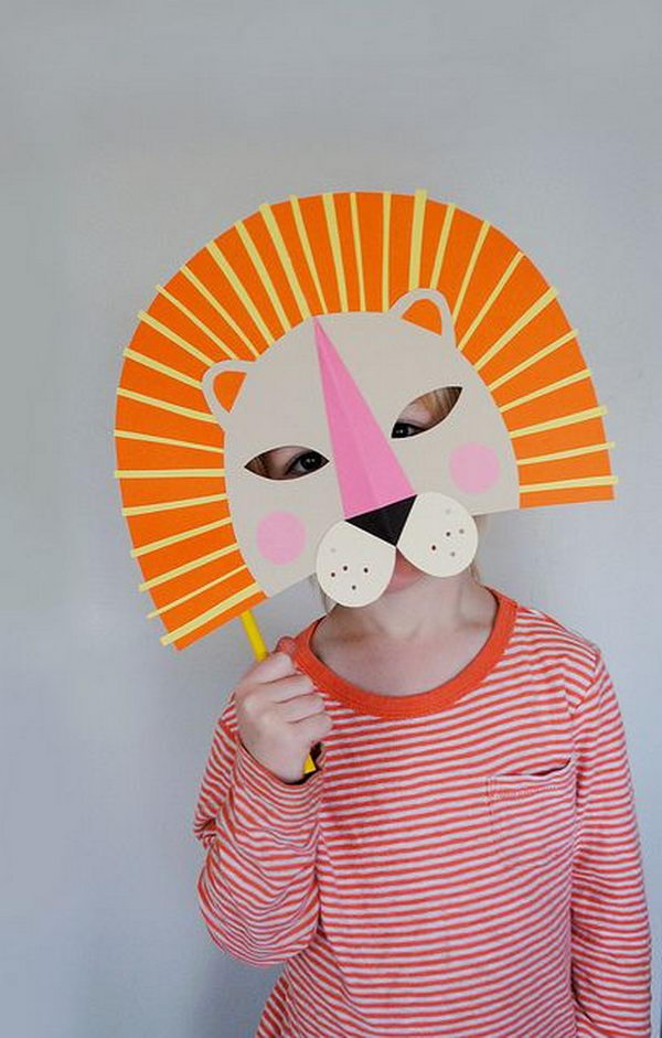 DIY Paper Lion Mask. DIY Halloween Mask Crafts for Kids, which are embellished in rich colors and fine design. They are perfect props for Halloween pretend play which fosters imagination and creativity in children.