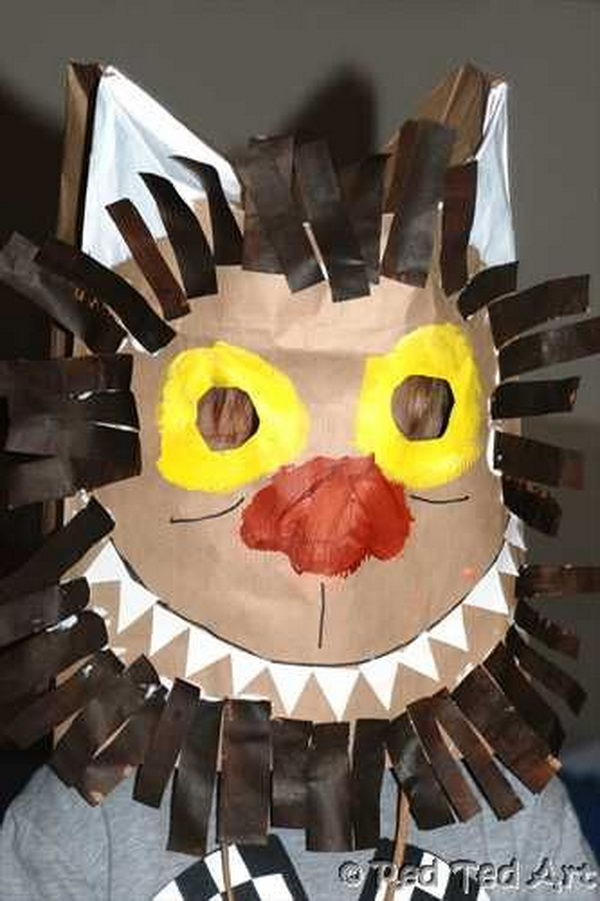 Paperbag Mask. DIY Halloween Mask Crafts for Kids, which are embellished in rich colors and fine design. They are perfect props for Halloween pretend play which fosters imagination and creativity in children.