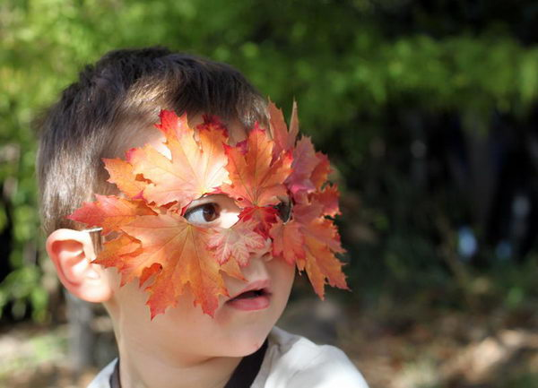 Leaf Mask. DIY Halloween Mask Crafts for Kids, which are embellished in rich colors and fine design. They are perfect props for Halloween pretend play which fosters imagination and creativity in children.