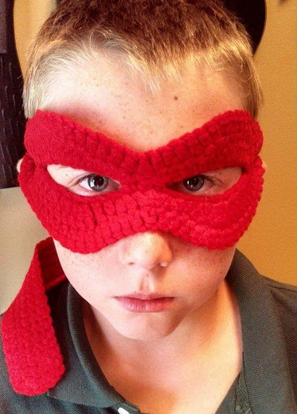 Ninja Turtle Mask. DIY Halloween Mask Crafts for Kids, which are embellished in rich colors and fine design. They are perfect props for Halloween pretend play which fosters imagination and creativity in children.
