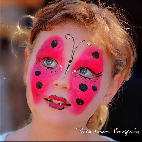 Butterfly. Cool Face Painting Ideas For Kids, which transform the faces of little ones without requiring professional quality painting skills.