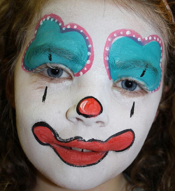 Girl Clown. Cool Face Painting Ideas For Kids, which transform the faces of little ones without requiring professional quality painting skills.
