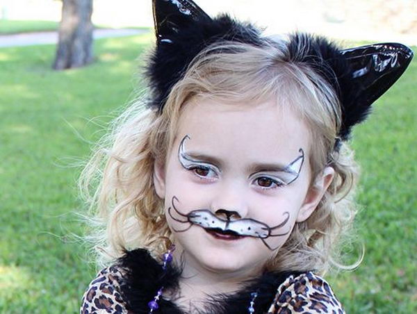 Easy Cat Face Paint. Cool Face Painting Ideas For Kids, which transform the faces of little ones without requiring professional quality painting skills.