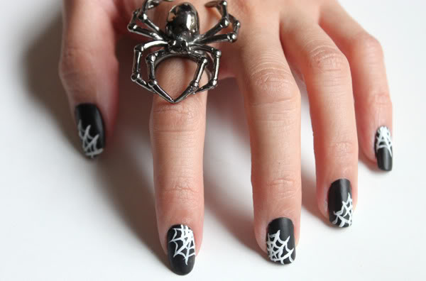 30 Cool Halloween Nail Art Ideas - Hative