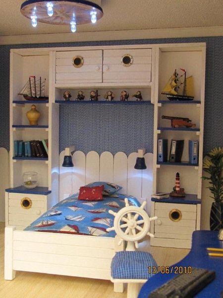 25 nautical bedding ideas for boys hative for Dollhouse bedroom ideas