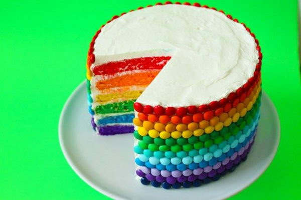 Easy Rainbow Cake Decoration : DIY Rainbow Party Decorating Ideas for Kids - Hative
