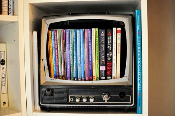 Dvd storage box of an old TV  Smart  well organized  bright and beautiful15 Cool DIY Storage Containers   Hative. Easy Diy Dvd Shelf. Home Design Ideas