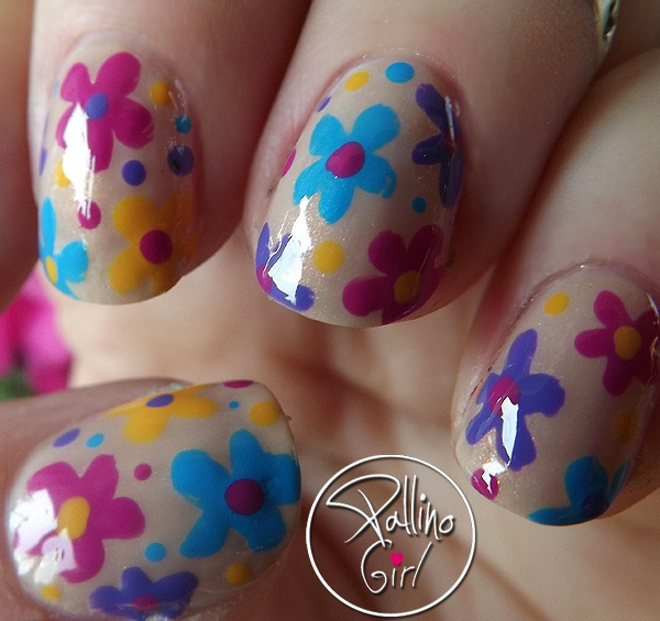 30 pretty flower nail designs hative pretty flower nail art these flower designs are so cute and make a regular manicure mightylinksfo