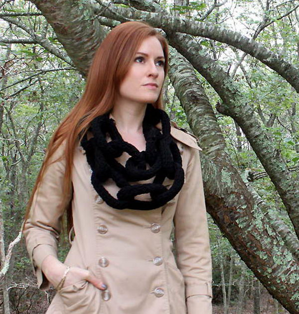 Chain Link Scarf. Cool Knitting Project Ideas
