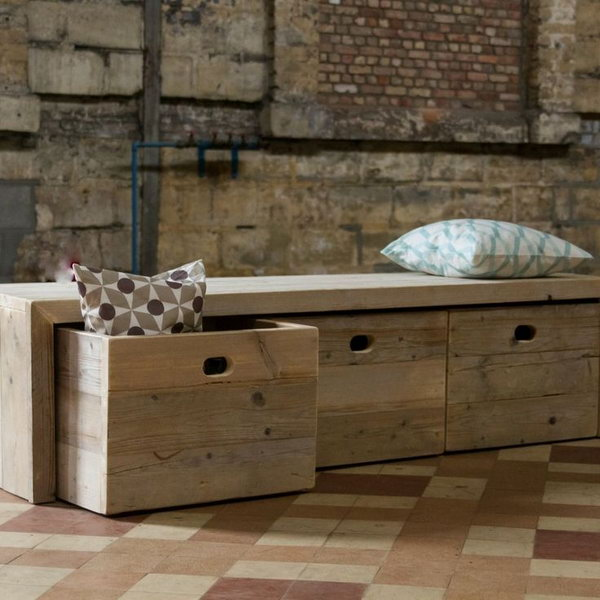 Merveilleux Wooden Storage Bench. Allow You To Store Books, Shoes And Other Items In The