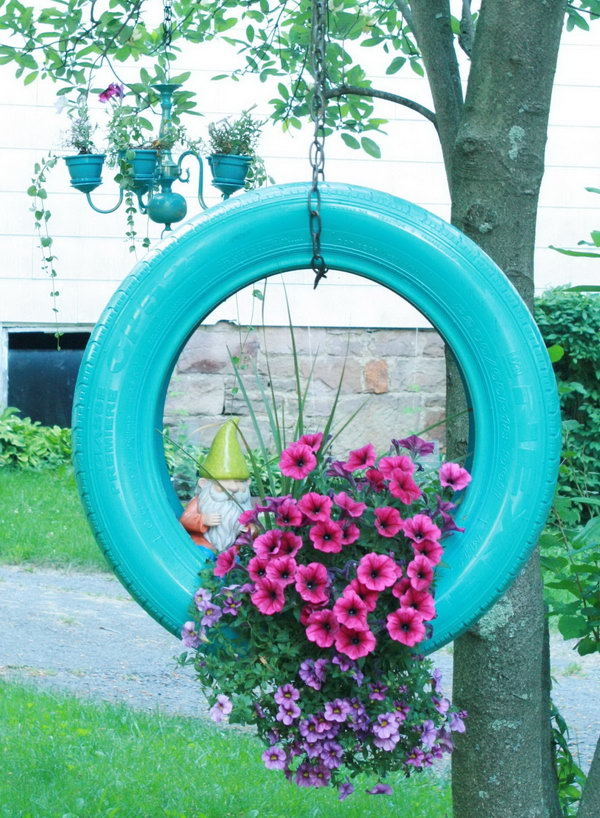20 creative ways to repurpose old tires hative - Decorations exterieures de jardin ...