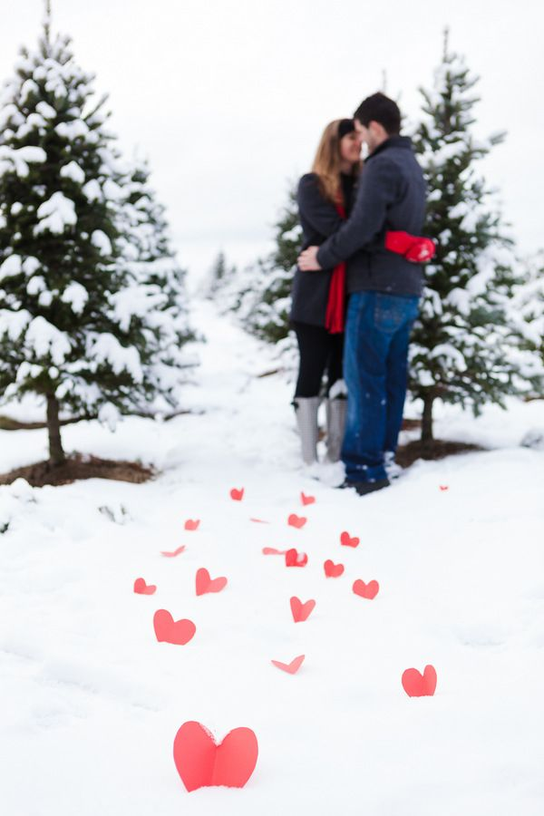 10 Romantic Winter Engagement Photo Ideas Hative