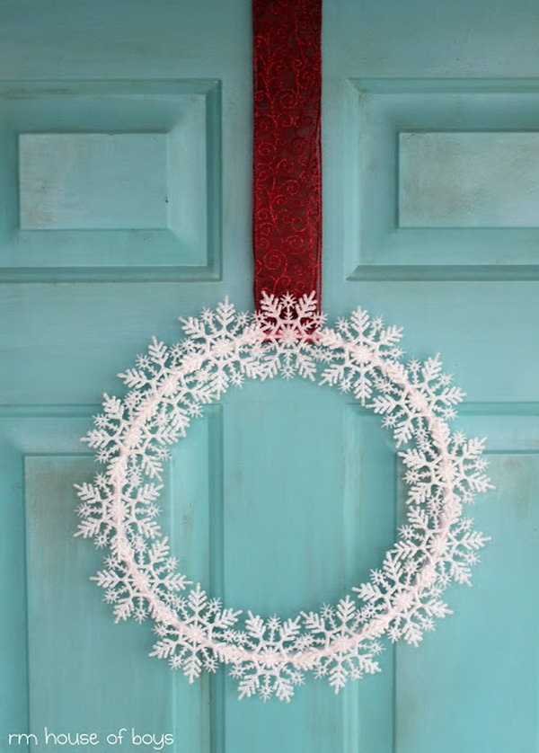 Snowflakes Wreath.