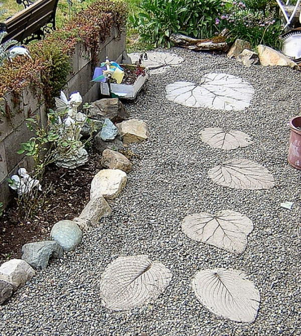 20 creative stepping stone ideas hative - Designs for stepping stones ...