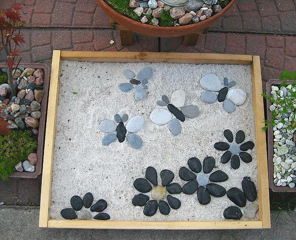 Garden Stepping Stones Ideas best 25 stepping stone paths ideas on pinterest stepping stone walkways stone paths and river rock path Cute Stepping Stone Idea