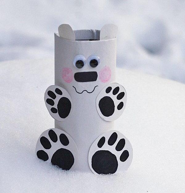 This little cardboard tube polar bear is so easy to make.