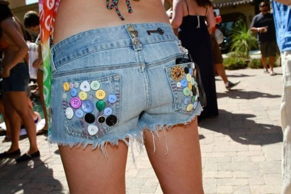 DIY Button Pockets. Decorate your old shorts with colored ropes, wire, buttons or zippers, denim, sequins, silk and lace and what ever you like. It is fun and inspiring to make some creative shorts for yourself.
