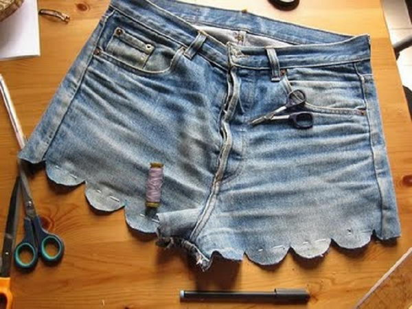 Scallop Shorts. Decorate your old shorts with colored ropes, wire, buttons or zippers, denim, sequins, silk and lace and what ever you like. It is fun and inspiring to make some creative shorts for yourself.