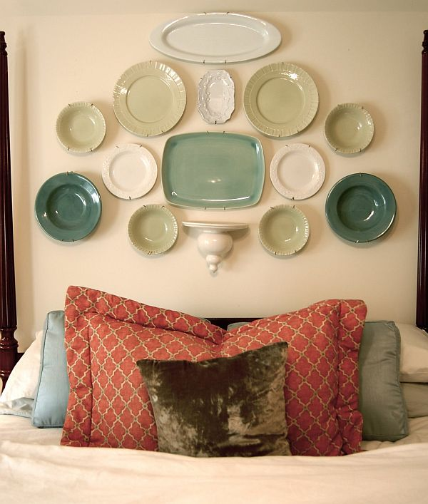 Plates Headboard. Not only served to isolate sleepers from drafts and cold in less insulated buildings, but also was a important decorative element in your bedrooms.