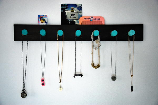 DIY Necklace Rack.