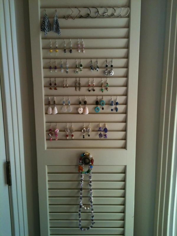Old Closet Door Display Idea