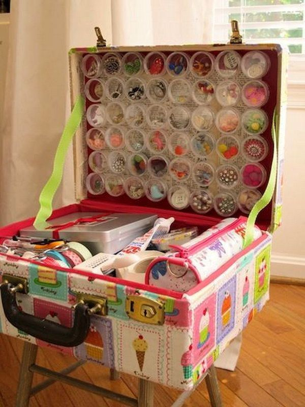 Old Suitcase Craft Supplies Holder, http://hative.com/creative-diy-ideas-with-old-suitcase/
