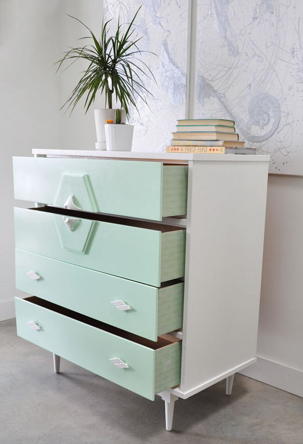 Use Spray Painting to Transforms a Vintage Dresser to a Modern Furniture,