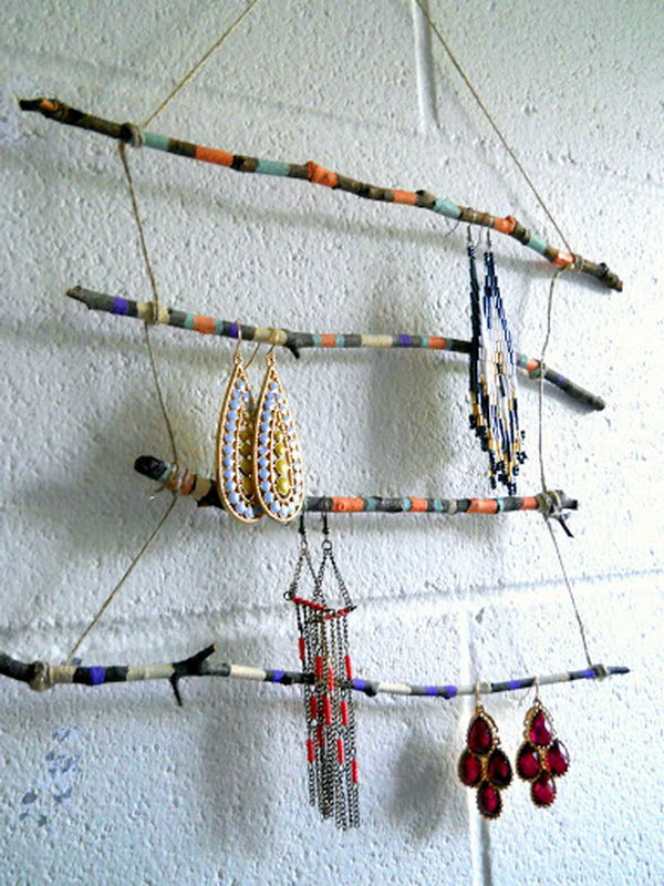 Diy ideas with twigs or tree branches hative for Tree branch jewelry holder