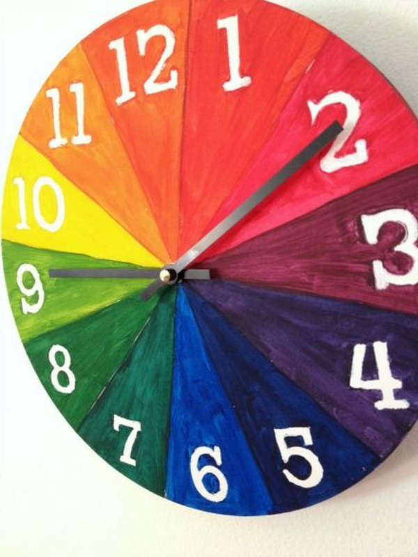 This color wheel clock helps kids learn the basics of color and time.